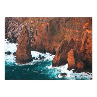 Formaciones de roca costeras comunicados personalizados