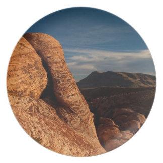 Formaciones en roca roja; Ningún texto Platos De Comidas