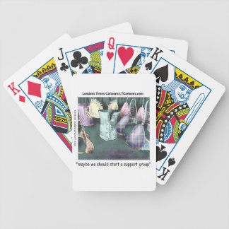 Formando un grupo de ayuda divertido baraja cartas de poker