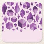 Formas geométricas púrpuras de la joya posavasos de cartón cuadrado