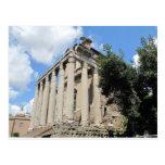Foro romano - templo de Antoninus Tarjetas Postales