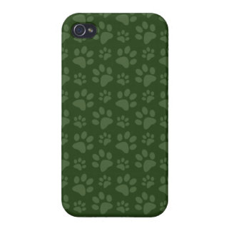 Forrest green dog paw print pattern iPhone 4/4S cases