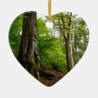 Forset místico adorno navideño de cerámica en forma de corazón