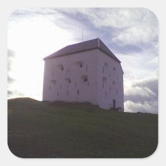 Fortaleza de Kristiansten la torre defensiva - Pegatina Cuadradas