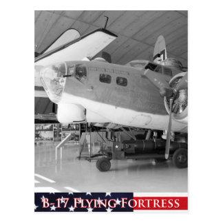 Fortaleza del vuelo B-17 Tarjetas Postales