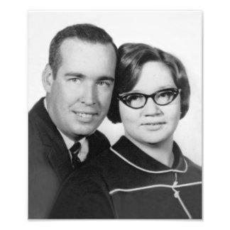 Foto 1967 del compromiso de la hierba y de Sue Cojinete
