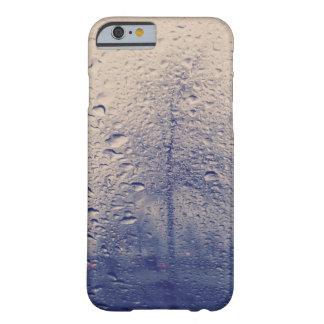 Foto abstracta del árbol de la ventana lluviosa funda para iPhone 6 barely there