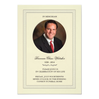"""Foto acodada en la tarjeta de Memoriam Invitación 5"""" X 7"""""""