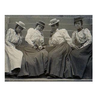 Foto afroamericana antigua de las mujeres postal