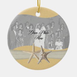 Foto amarilla de las estrellas de mar adorno navideño redondo de cerámica