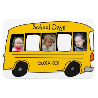 Foto amarilla del autobús escolar de los días esco iman flexible