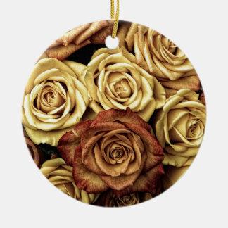 Foto antigua de los rosas adorno navideño redondo de cerámica