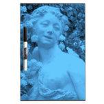 Foto azul del extracto de la estatua pizarras blancas