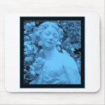 Foto azul del extracto de la estatua alfombrilla de ratones