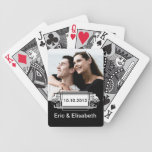 Foto blanco y negro elegante del recuerdo del boda baraja
