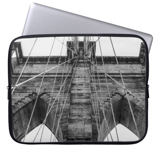 Foto blanco y negro NYC del puente de Brooklyn Fundas Ordendadores