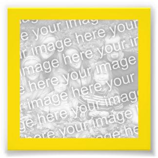 Foto brillante del marco del oro amarillo
