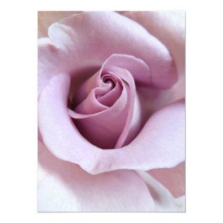 """Foto color de rosa púrpura del boda invitación 5.5"""" x 7.5"""""""