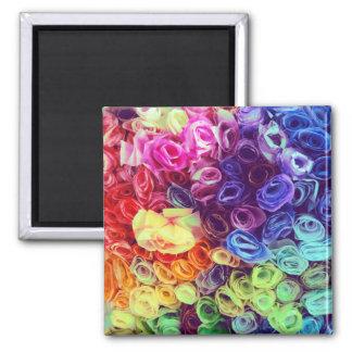 Foto colorida de las flores de papel imán cuadrado