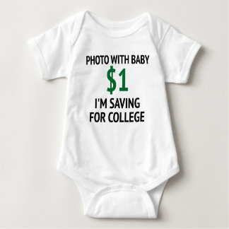Foto con el mono del bebé $1 playera