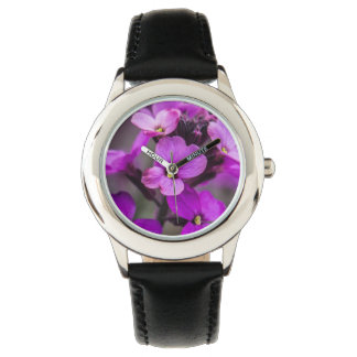 Foto cuadrada de las flores rosadas macras reloj
