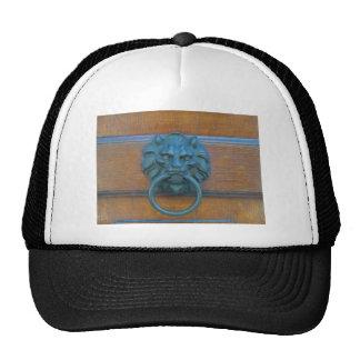 Foto de la decoración rústica de la puerta en gorras