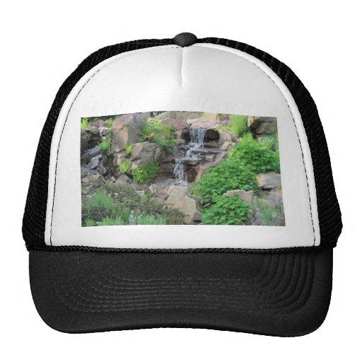 Foto de la escena de la naturaleza de las cascadas gorra