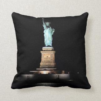 Foto de la estatua de la libertad en NYC Almohada