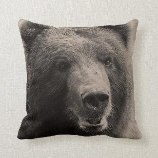 Foto de la fauna del oso grizzly de Brown Cojín