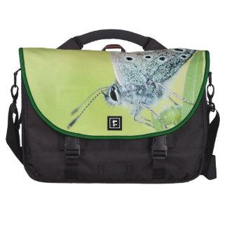 Foto de la macro de la mariposa bolsas para portatil