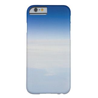 Foto de la mucha altitud de la tierra 3 funda de iPhone 6 barely there