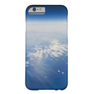 Foto de la mucha altitud de la tierra funda de iPhone 6 barely there