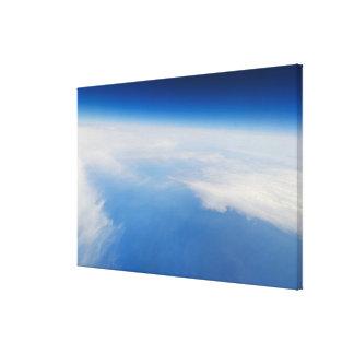 Foto de la mucha altitud de la tierra lona envuelta para galerias