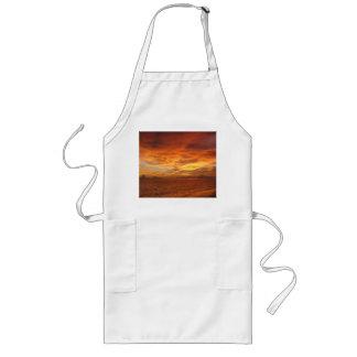 Foto de la puesta del sol de la playa del cielo p delantal