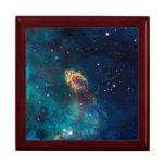 Foto de las nebulosas por el telescopio de Hubble Caja De Regalo
