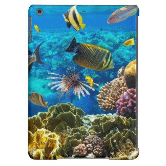 Foto de un pescado tropical en un arrecife de cora funda para iPad air