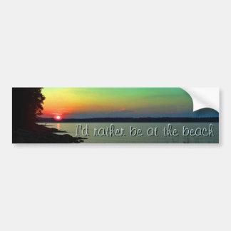 Foto del cielo del arco iris de la puesta del sol  etiqueta de parachoque