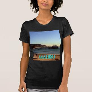 Foto del embarcadero de Malibu y de la playa de Su Camiseta