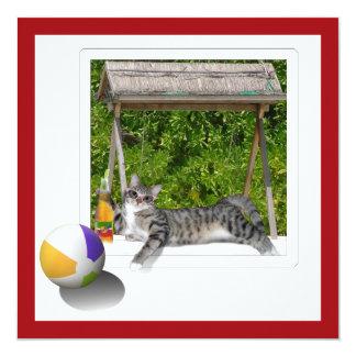 """Foto del gatito de la pelota de playa invitación 5.25"""" x 5.25"""""""