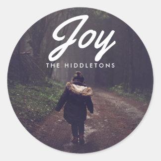 Foto del navidad de la tipografía de la alegría pegatina redonda