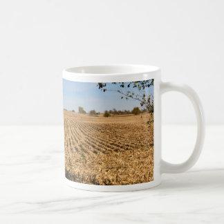 Foto del panorama del campo de maíz de Iowa Taza Clásica