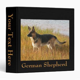 """Foto del pastor alemán en 2"""" carpeta"""