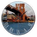 Foto del puente de Brooklyn en NYC Reloj