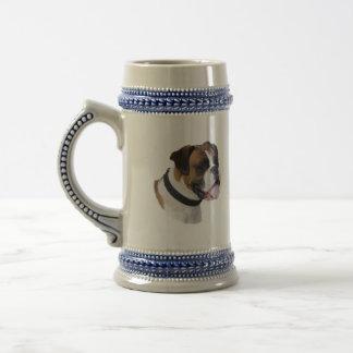 Foto del retrato del perro del boxeador jarra de cerveza