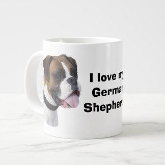 Foto del retrato del perro del boxeador taza grande