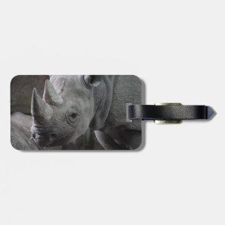 Foto del rinoceronte negro etiquetas para maletas
