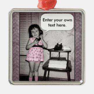 Foto del vintage del chica en el texto del adorno navideño cuadrado de metal