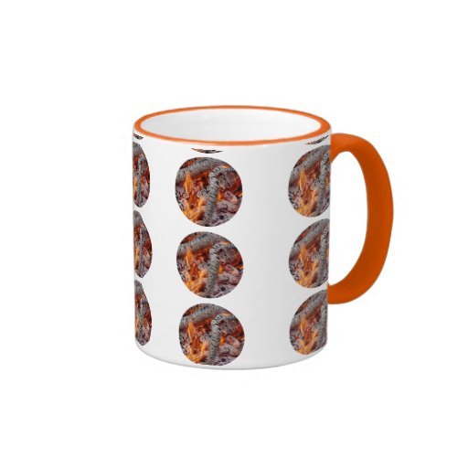 Foto elegante de la bella arte de las ascuas del taza de dos colores