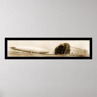 Foto enorme dirigible 1924 del zepelín ZR3 Posters