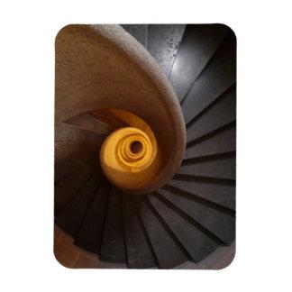 Foto espiral oscura de las escaleras imanes flexibles